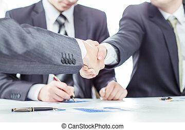 handslag, av, affärsverksamhet partner, på, den, bakgrund, av, a, jurist, och, finansiell, dokument