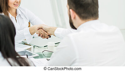 handslag, chef, och, den, klient, efter, den, underteckna, av, den, financ