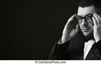fashionable man wearing eyeglasses