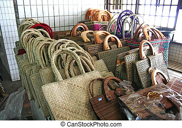 Handwoven baskets - Traditional handwoven baskets for sale ...