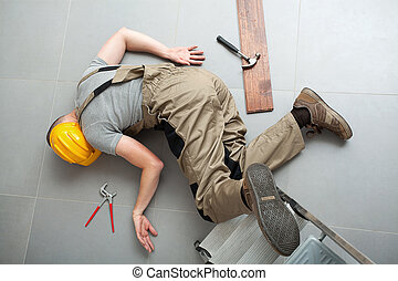 Handyman fell from ladder and severely got hurt