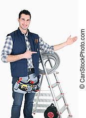 handyman, mostrando, algo