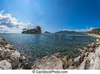 Hanging footbridge to Cameo island