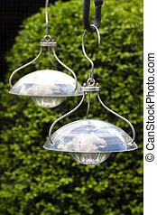 Hanging solar lamps to illuminate garden - Decorative...