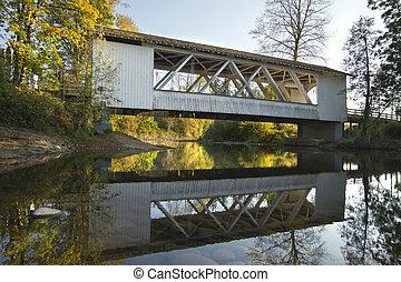 Hannah Covered Bridge over Thomas Creek Oregon 3