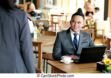 hans, se, klient, kommande, affärsman, möte