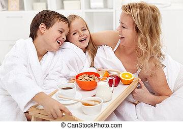Happy morning - breakfast in bed for mom