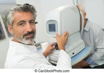 happy ophthalmic testing with device machine
