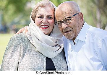 Happy senior couple - Closeup portrait, retired couple in ...