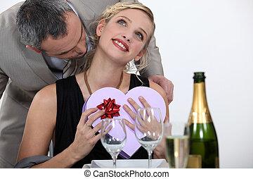 Happy valentine day honey