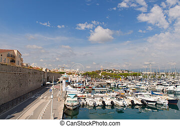 Harbor Antibes with fort carre - Boats in the harbor of ...