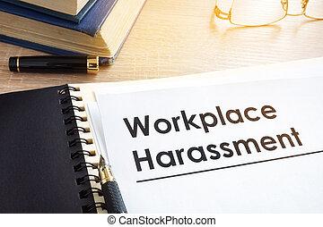 harcèlement, bureau., sur, documents, lieu travail