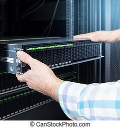 hard disks drive in the storage system - IT Engineer...