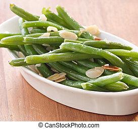 haricots verts, almondine.