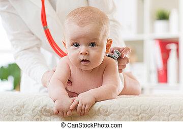 hart, arts, kantoor., medisch, kinderarts, baby, luistert, stethoscope.