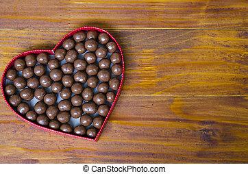 hart formeerde doos, gevulde, met, kleine, chocolade, gelul