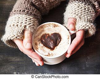 hart gedaante, cappuccino, holdingshanden