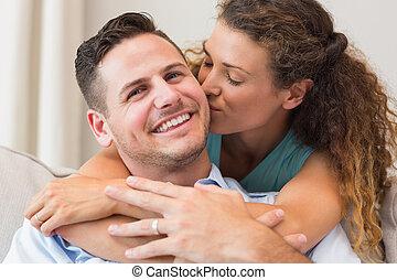 hartelijk, kussende , vrouw, man
