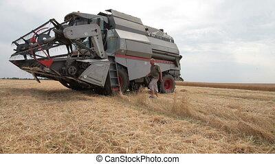 harvester worker