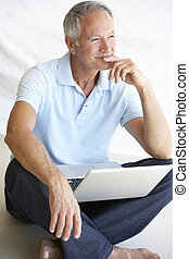 használ, idősebb ember, számítógép, laptop, ember