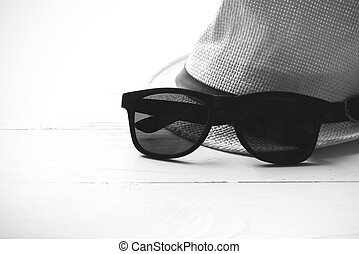 hat and sunglasses black and white color - hat and ...
