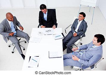 haut angle, de, business, groupe, projection, diversité ethnique, dans, a, réunion