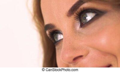 haut., beaux yeux, femme, gris, grimer, makeup., figure, regarder, clair, joli, fin, portrait, enfumé, côté