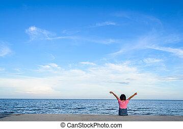haut, elle, foc, asiatique, mer, mains, girl, assied, falaise