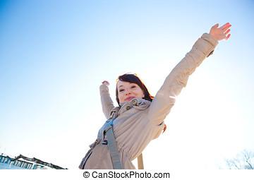 haut, femme, ensoleillé, jeune, day., mains, heureux