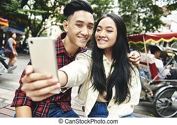 haut, jeune couple, selfie, fin, vietnamien