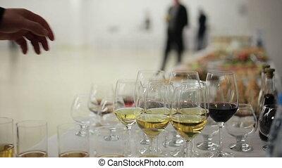 haut, main, verre, sélectionne, vin, homme