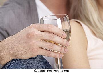Haut, verre, tenir fermeture, vin, homme. Verre, haut, isolé