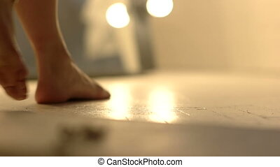 haut., marche, salle, plancher, bed., pieds, femme, aller, fin, brique