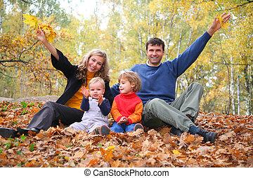 haut., quatre, parent, famille, automne, park., mains, assied