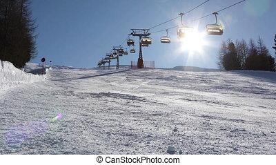 haut, skieurs, montagne, ski, télésiège, pente, ascenseurs,...