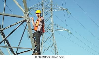 haute tension, poteau, électrique, ouvrier