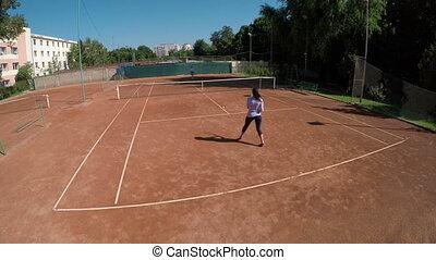 haute vue angle, de, amis, jeu, tennis, à, dehors, cours, arène