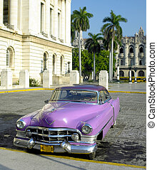 havane, capitole, cuba, voiture, devant, vieux bâtiment