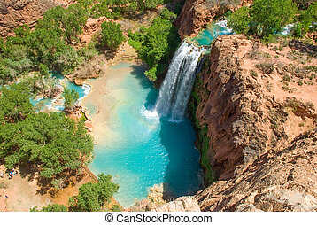 Havasu Falls in the Daytime - Havasu Falls in the daytime...