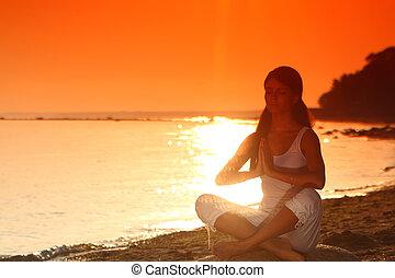 havet, yoga, solopgang