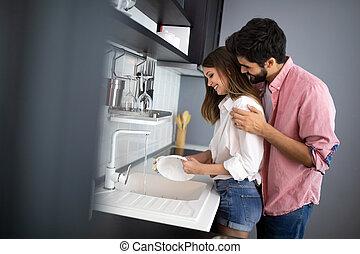 having, блюда, молодой, пара, весело, в то время как, в обнимку, кухня