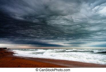havsstrand, stormig