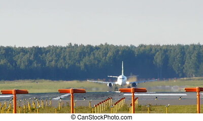 HD - Aircraft take off_Boeing 737-500
