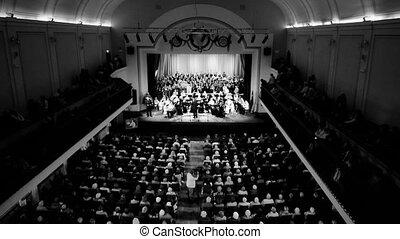 HD - Final of a symphony concert