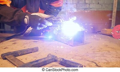 HD - Workshop. Welding and equipment