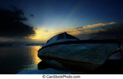 hdr boat