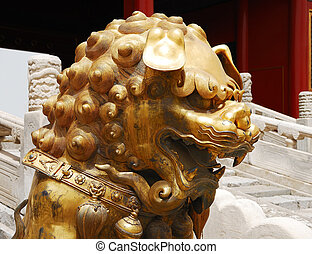 Head of gold lion