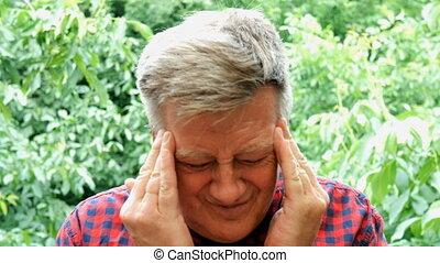 headache., caucasien, adulte, mûrir, portrait, homme, avoir, ethnicité