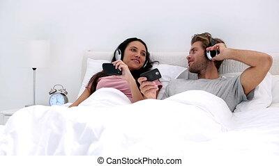 headph, musique, couple, écoute