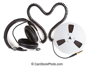 headphone cord from a heart shape